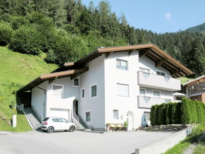 Photo for Apartment Gitti (MHO551) in Mayrhofen - 4 persons, 2 bedrooms
