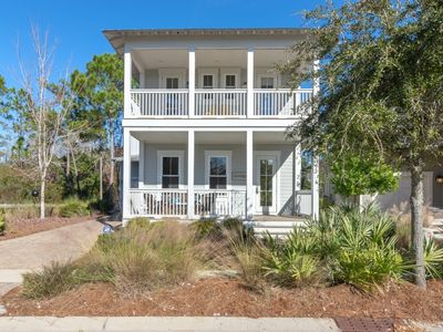 Photo for Seagrove Beach, private lagoon, 4 porches, sleeps 9, perfect for entertaining!