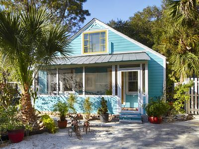 Photo for Experience Authentic Florida ~ 'Turquoise Cottage' in Historic Laurel Park