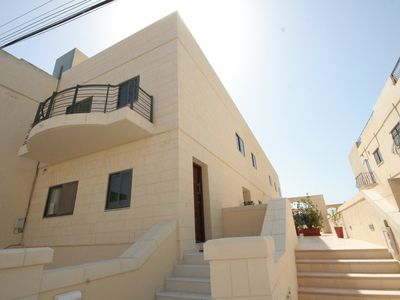 Photo for Beautiful, large and ultra modern holiday home and minutes away from the beach