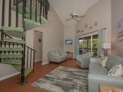 Photo for Beautiful and Quiet 2 Bedroom Condo - SV267