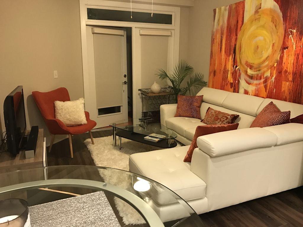 Very upscale modern luxury 1 bedroom apartment.