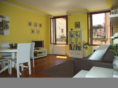 Photo for Charming, Comfortable, Fully Equipped Flat With Pictoresque Venice Canal Views