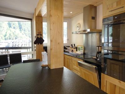 Photo for Apartment Chamonix-Mont-Blanc, 2 bedrooms, 8 persons