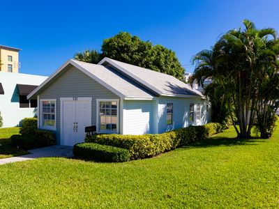 Photo for Downtown Delray Beach Vintage Cottage
