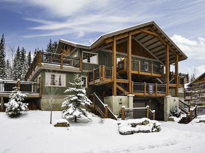 Photo for ✪Rockies Escape, Skiing, Hiking & Private Hot Tub✪