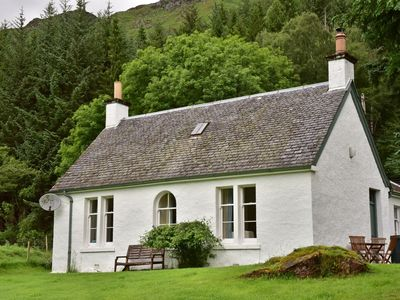 Photo for Gardener's Cottage - traditional Scottish property in stunning Glen Lyon