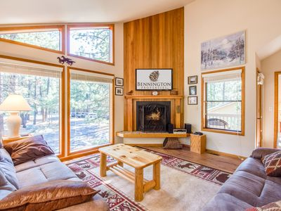 Photo for Ride to Fort Rock Park, Upgraded Home Close to Everything, Hot Tub - ASHW04