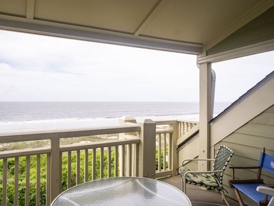 Photo for Carefree: 2 Bed/1 Bath Oceanfront Condo with Private Balcony and Seasonal Community Pool