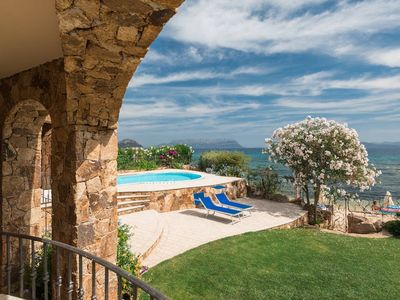 Photo for Seaside villa with private pool - uniquely located on the sea