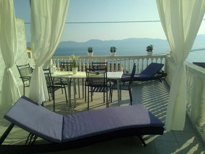 Photo for Three bedroom apartment with terrace and sea view Brist (Makarska)
