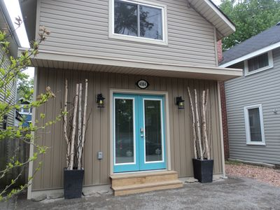 Photo for Beachside Cottage - Hot tub, beach across the street & walk to local restaurants
