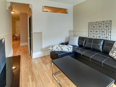 Photo for 2 Bedroom sleeps 6 on park Ave