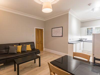 Photo for Central 2 bed apartment Paddington