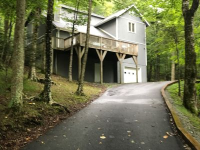 Photo for Spacious, Clean Mountain Retreat! Large Game Room & Large Kitchen; Sleeps 10