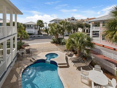 Photo for Love Shack! Shared Pool/ Hot tub Across from Beach Access Sleeps 6 Wifi Free Tickets to Gulfworld