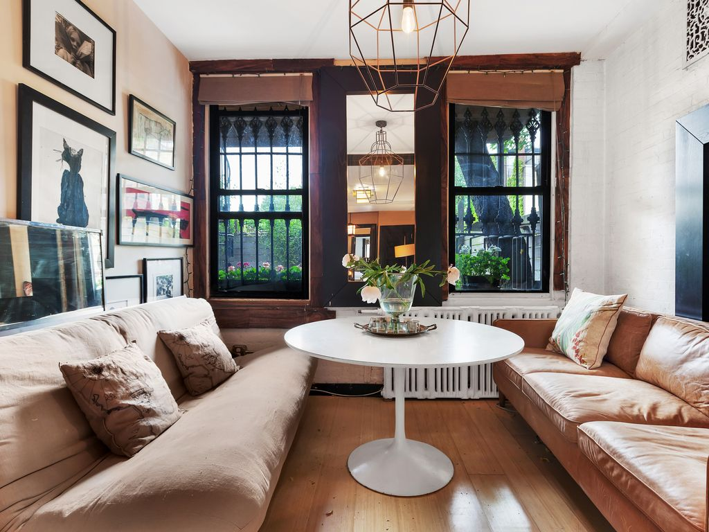 Pristine balinese brooklyn carriagehouse homeaway for Pristine garden rooms