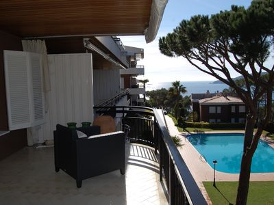 Photo for Ap. Llafran overlooking the sea in Llafranc, pool, tennis and Pk.