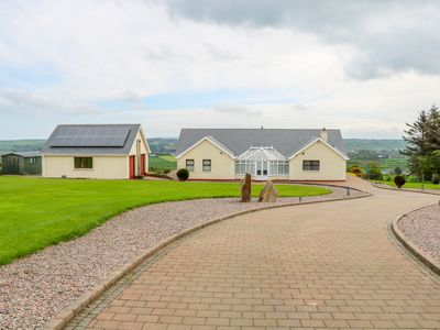 Photo for CAUSEWAY VIEW, pet friendly in Bushmills, County Antrim, Ref 1009254