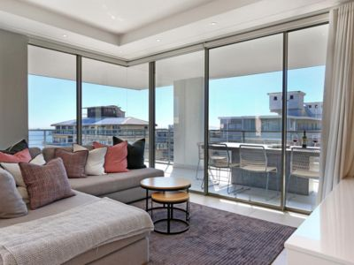 Photo for New Sea Point 3 bed overlooking ocean | Ocasa