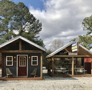 Cabin1-Mins. to LAKE HARTWELL/CLEMSON/Lockable Boat Shelters/Battery Charge Port