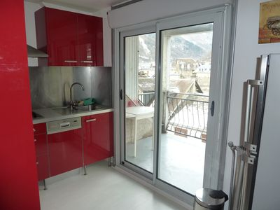 Photo for Nice spacious 49m2 furnished T3 apartment (sleeps 6) downtown