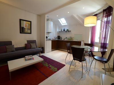 Photo for Pleasant apartment, quiet and comfortable. Downtown calm modern apartment.