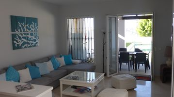Search 919 holiday rentals
