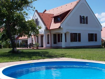Photo for Holiday house with Pool and Internet