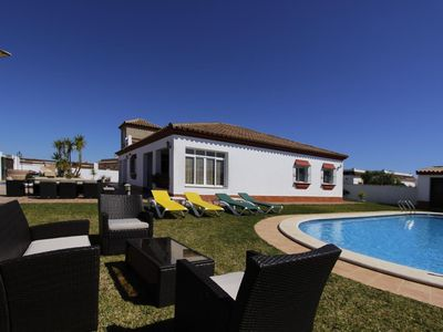 Photo for Villa Cruz del Sur - Spacious stylish villa with large private pool and garden