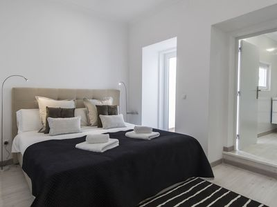 Photo for Principe Real Elegant flat with terrace