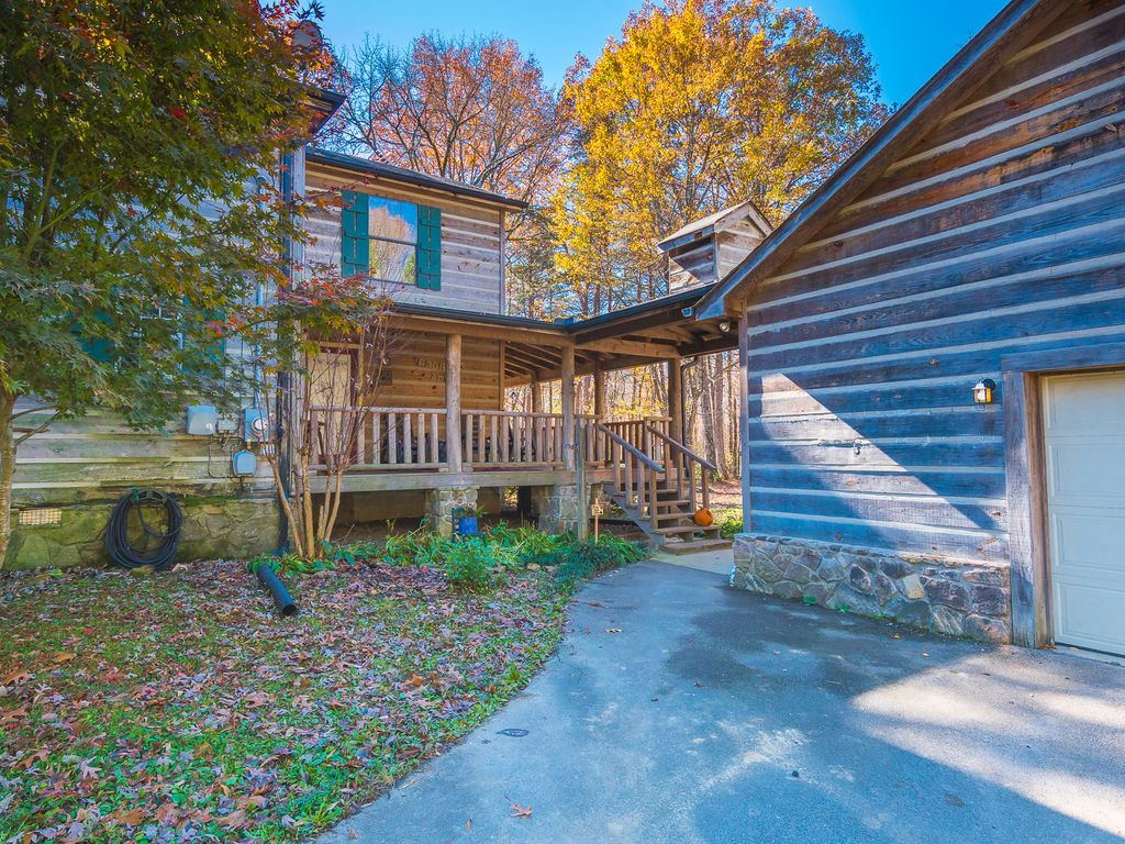 cabins calissto x rent cabin rustic near for chattanooga com tn