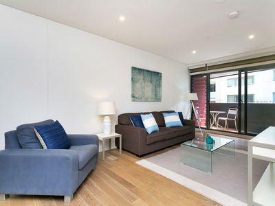 Photo for MP080 - Luxury Milsons Point Apartment With Harbour Views