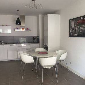 Photo for Modern apartment type T2 10 minutes walk from the bay of Saint-Jean-De-Luz