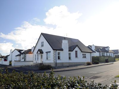Photo for TARA LODGE, DETACHED 4 BEDROOM PROPERTY CLOSE TO BEACH & LINKS GOLF COURSE