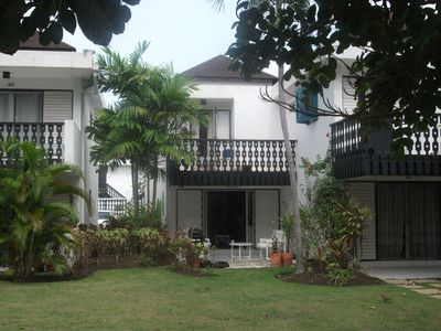 Photo for Immaculate townhouse with Pool on Rockley Golf Course