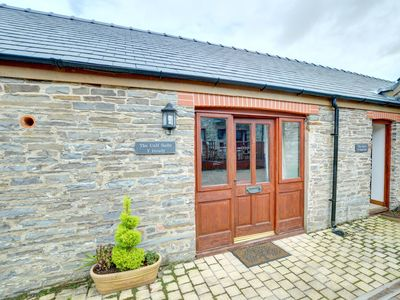Photo for Perfectly situated surrounded by idyllic countryside and a short distance to the popular seaside tow