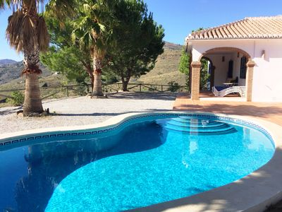 Photo for Villa Rosa with private pool for 4 people in a quiet area