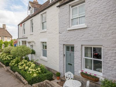 Photo for 1 bedroom accommodation in Calne