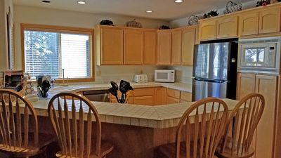 Photo for 15 Topflite-Hot Tub, A/C, 6 Kayaks, 4 Sets of Golf Clubs, Ping Pong Table & Much More! S H A R C Aquatics Center, Sledding Hill, Mt. Bachelor, Golf, Deschutes River, Tennis Courts, Bike Paths