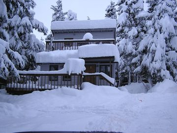 Cozy Private Cabin With Girdwood Charm!