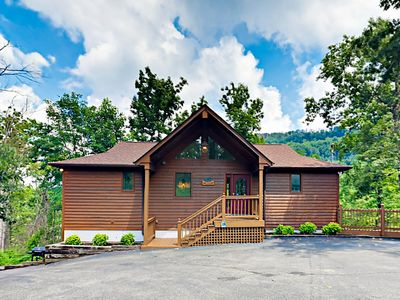 Hot Tub w/ Great Smoky Mt View - Expansive Home w/ Arcade Game & Pool Table
