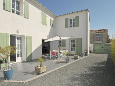 Photo for House Ile de Ré, village center, near the beach