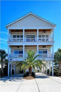 High Cotton, 6 Bedroom, 8 Bath, Sleeps 22, Private Pool and Floating Dock!