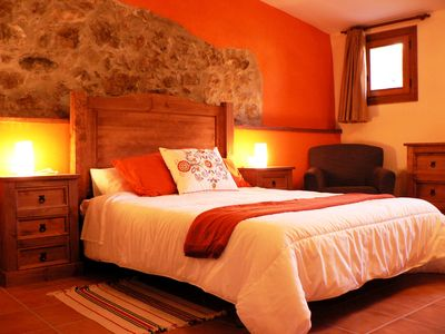 Photo for Rest and relaxation in a magnificent villa in the countryside