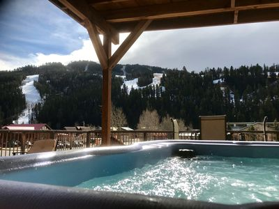 5 star views of ski area slopes from hot tub!