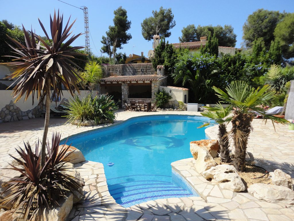 S9316 moraira villa with private pool in its own grounds for Pool garden restaurant