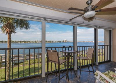 Enjoy your next vacation in this gorgeous 2 bedroom 2 bath riverfront condo in Bouchelle Island.