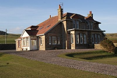 Photo for Seaside Villa Overlooking Sandy Beach And The Famous Machrihanish Golf Course