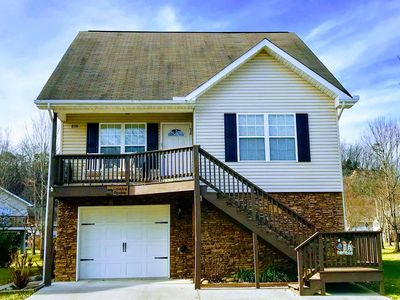 Photo for River Pointe Chalet: Hot Tub, WiFi, Family Friendly, Great Location